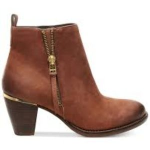 Steve Madden Wantagh Leather Ankle Boot  6.5